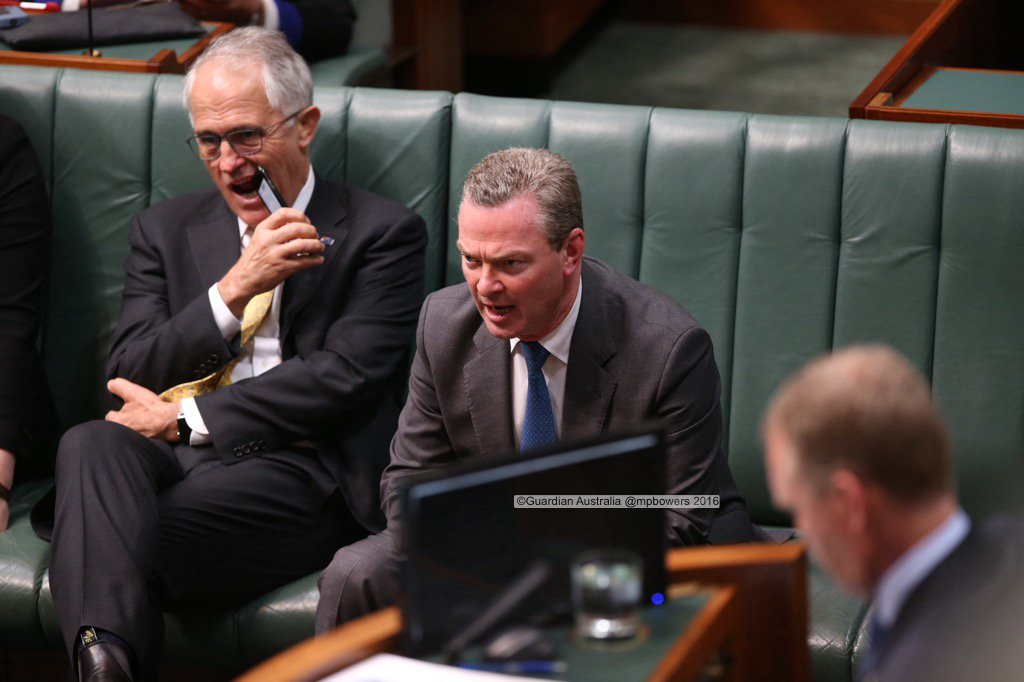 PM Malcolm Turnbull and Christopher Pyne after the govt. lost 2 divisions in the house @gabriellechan @GuardianAus https://t.co/Lw6RNxdcJm
