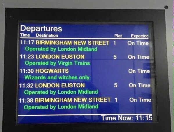 OK, that's pretty awesome.  RT @SaraPaniaguaIbe: Kings Cross this morning. Brilliant #BackToHogwarts https://t.co/wAjnkuWnwP