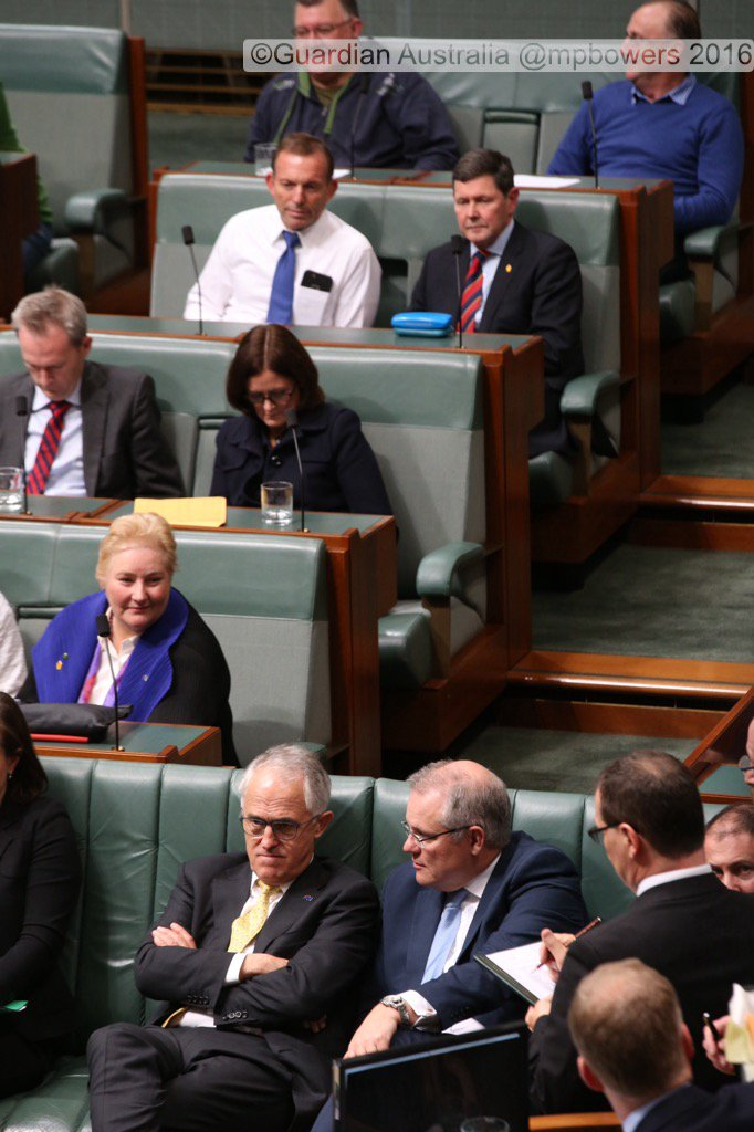 PM Malcolm Turnbull during a division to adjourn the house after govt lost 2 divisions @gabriellechan @GuardianAus https://t.co/j9Q1GO1PeT