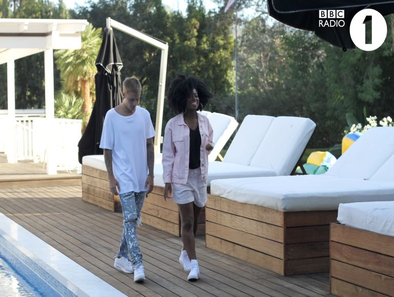 #InspireLSEntertainment| @JustinBieber Invites BBC RADIO 1'S @claraamfo Into his LA Home   https://t.co/KygnJ8eznN https://t.co/kkMolWjb7d