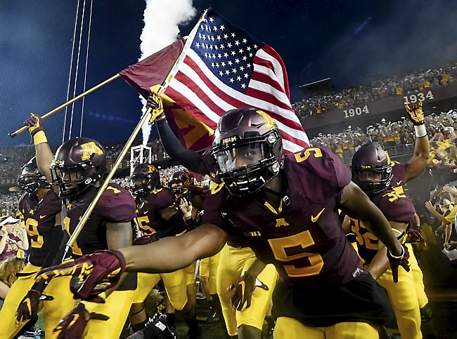 IT'S GAME DAY #GOPHERS FANS!!!!!!!!!!!!!!! SKI-U-MAH!!!!!!!!!!!! https://t.co/fE6ncO7UL1