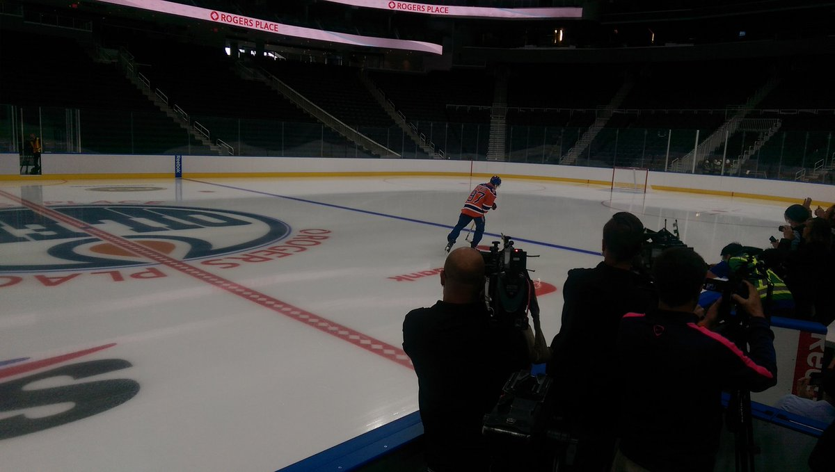 McDavid first player on the ice. https://t.co/vdAof0Og92