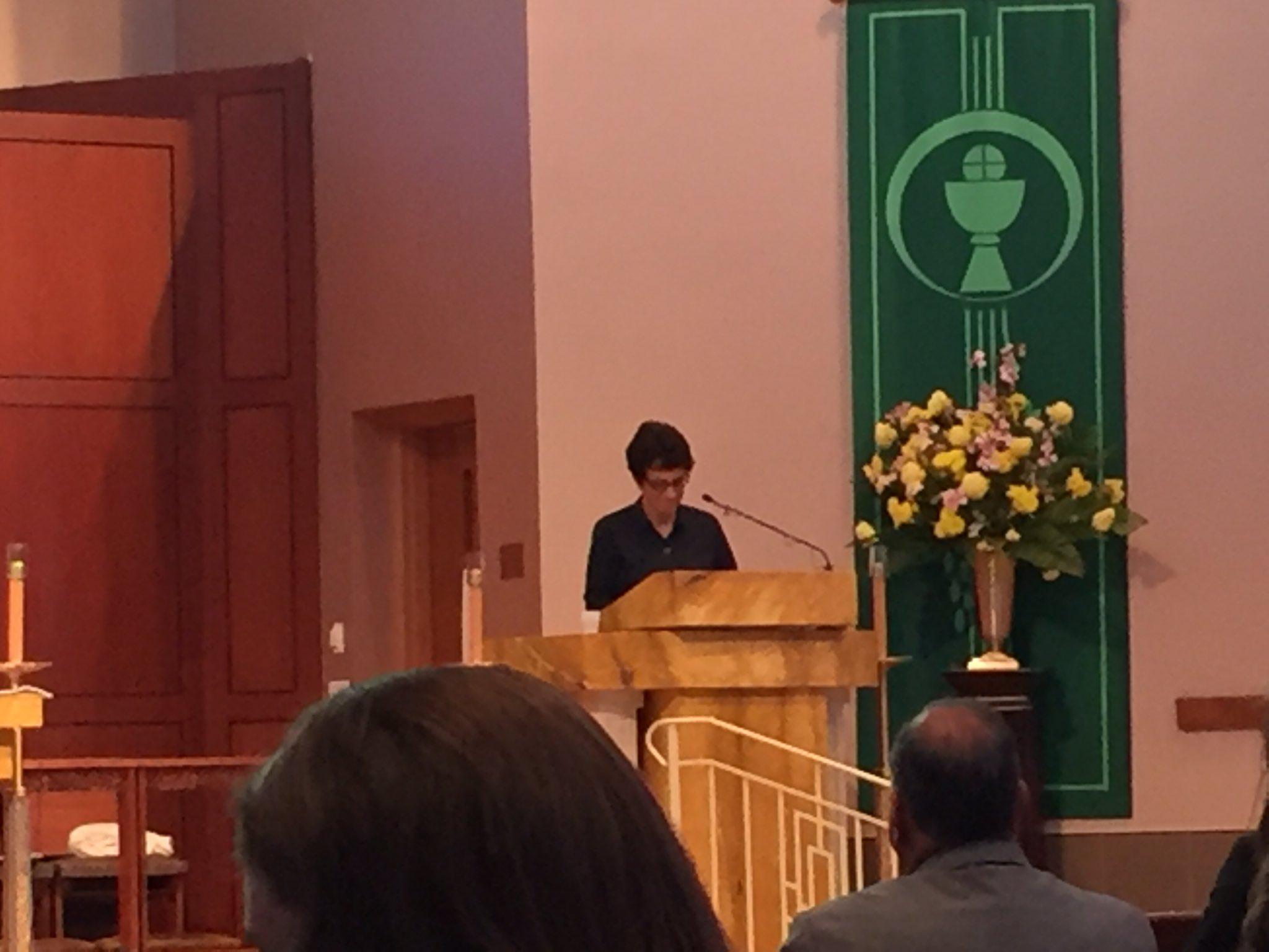 So great to hear @LeMoyne Pres. LeMura at our opening @SyrDiocese @CatholicSchools liturgy! https://t.co/Du3oB74mR7