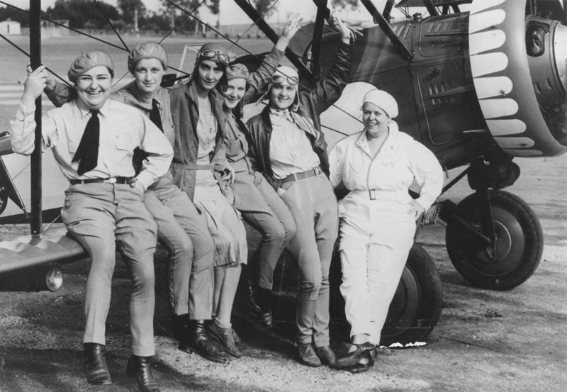 #TBT Female aviators on their way to National Air Races in Cleveland, 1931. https://t.co/t2jCr5vj92