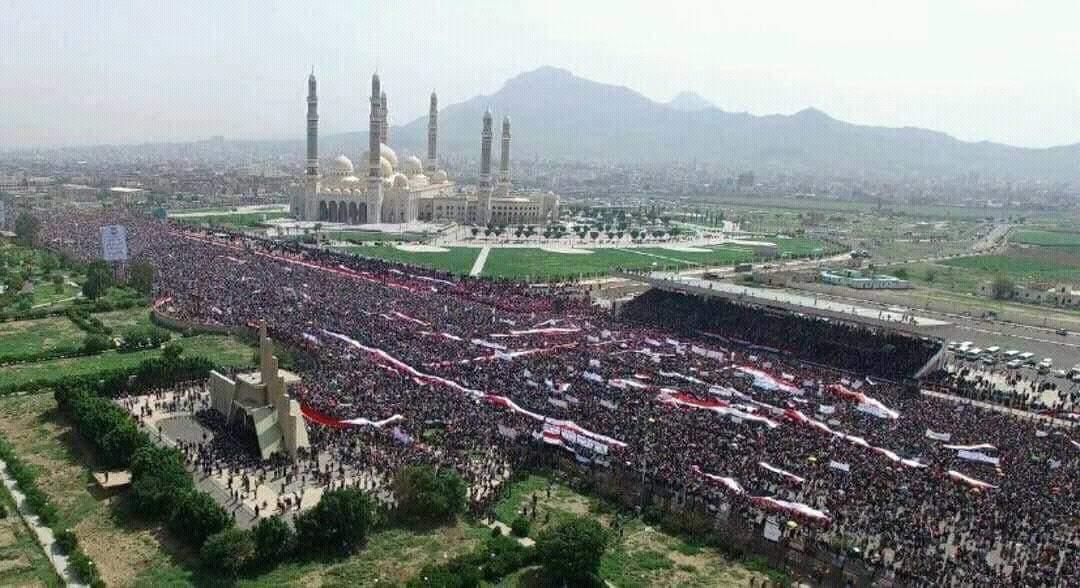 شرف الدفاع عن الوطن.. لا ينالُه إلا الراسِخون في الحُبِ والولاء. #تحيا_الجمهورية_اليمنية #سلم_نفسك_ياسعودي_أنت_محاصر https://t.co/T8j8F4d9gP