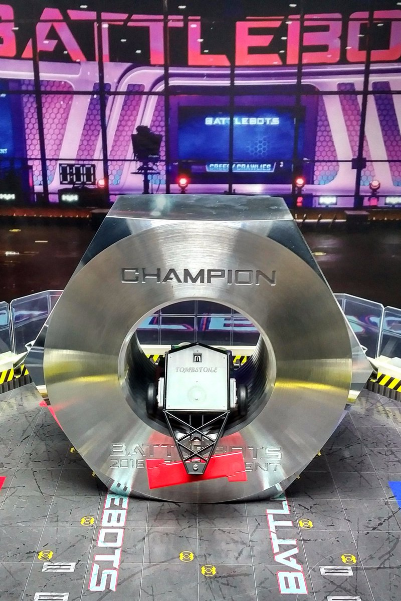 Congrats to Tombstone for beating out the competition & taking home the title of 2016 @BattleBots Champion! https://t.co/ZjCIQR068f