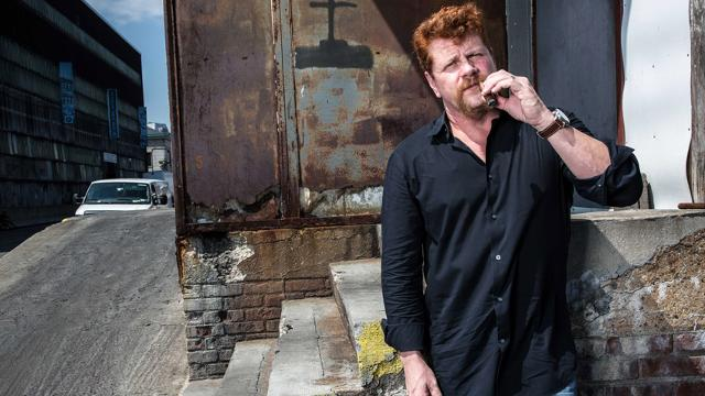 Video | Talking #whisky and #cigars with Michael @Cudlitz from @WalkingDead_AMC:  https://t.co/Jc5zdTzlLR https://t.co/u33QJPCTmS