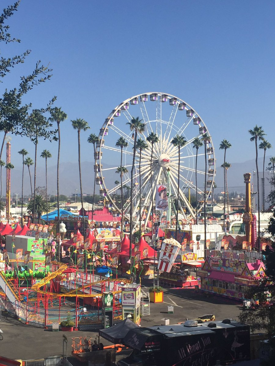 #OpeningDay is here! We're open noon-midnight. Donate 5 canned goods & receive free entry, noon-5pm! #DareToFair https://t.co/E5vCJ2z4yZ