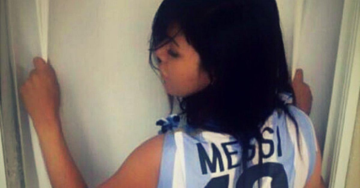 RT @diarioas: Miss Bumbum celebra la vuelta de Messi a la selección argentina https://t.co/T0cftZLZHj https://t.co/d3NTQEeBlb