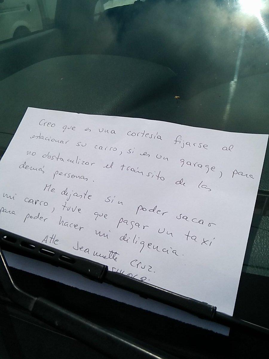 Mi mamá les dejó un mensaje señores de @RepretelCR por su carro atravesado. Gracias por no pensar en los demás. https://t.co/oHVB2gNIFy