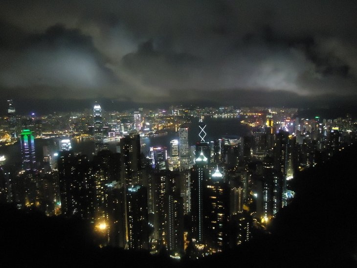 RT @hitRECord: 'MoN' took us to the peak of Hong Kong in this gorgeous city shot — https://t.co/bysUNIFQJh https://t.co/cXOLp8fQNu