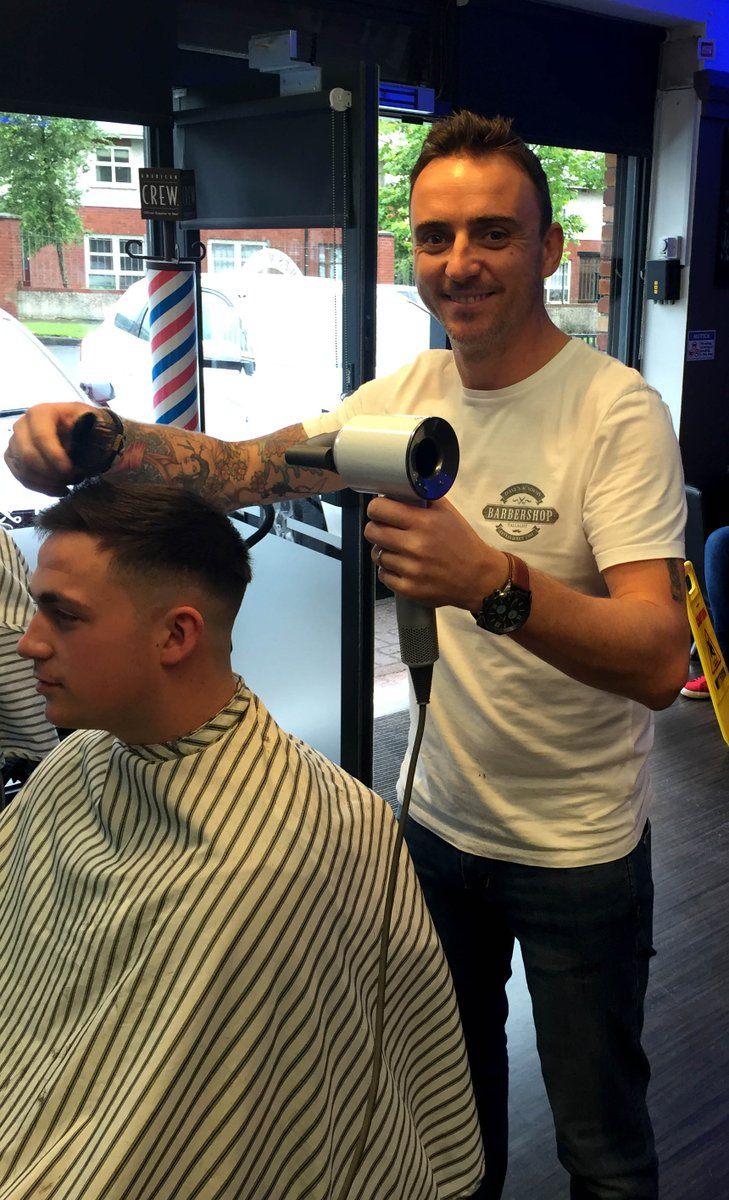 The lads in Dave's Academy Barbers loving the new @Dyson Supersonic! #stylechallenge #SaturdaysAreForTheBoys https://t.co/zAmSWvsDoH