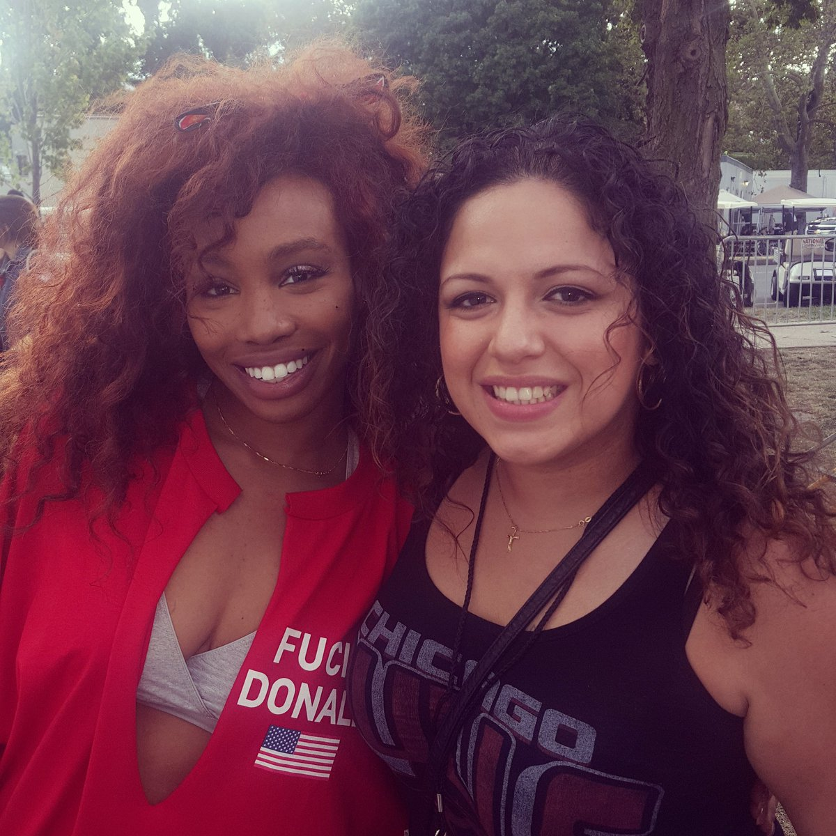 Ran into @sza from jersey at #MadeInAmerica #tde https://t.co/ZMf7GiOoqX