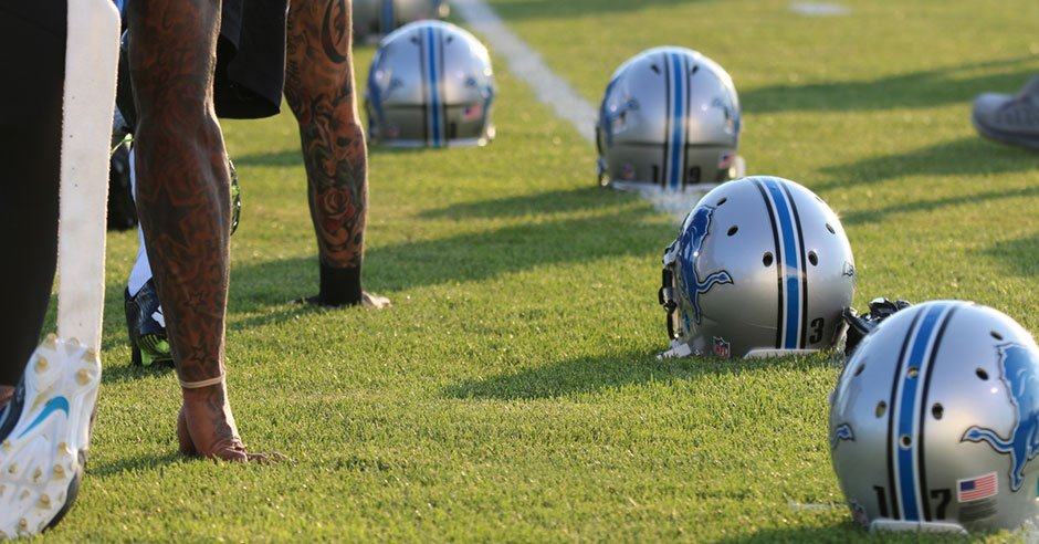 NFL Jerseys Outlet - NFL will look at Raiola's late-game knee dive - Football - Detroit ...