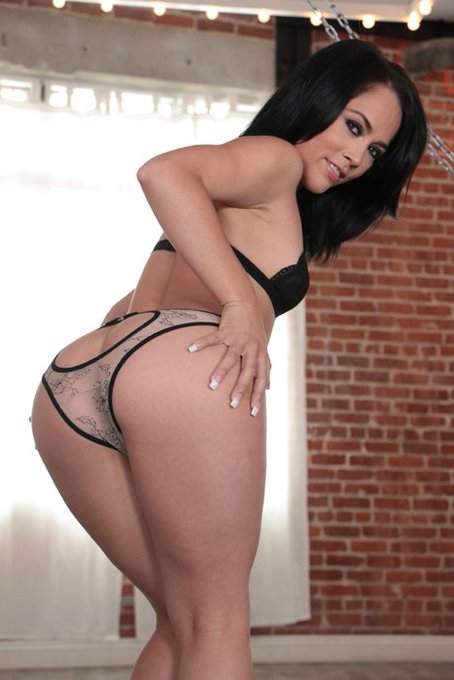Best ass in porn! @KristinaRosexxx gets sodomized in my new @EvilAngelWeb release on https://t.co/JfyhhInSrA