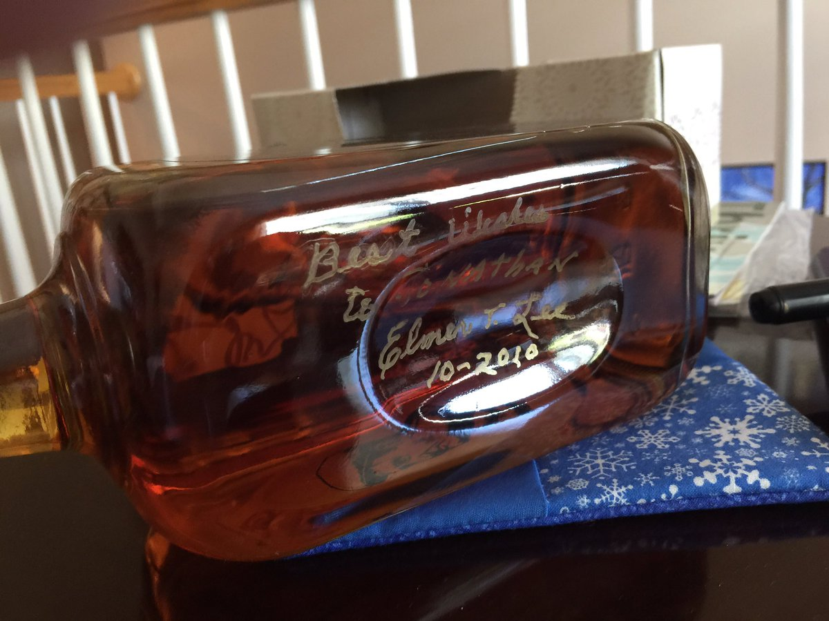 @RiverCityPauly @LouGirl502 @BlantonsBourbon and I also have a signed bottle from Mr. Lee, too. https://t.co/MQ9T1sgjYu