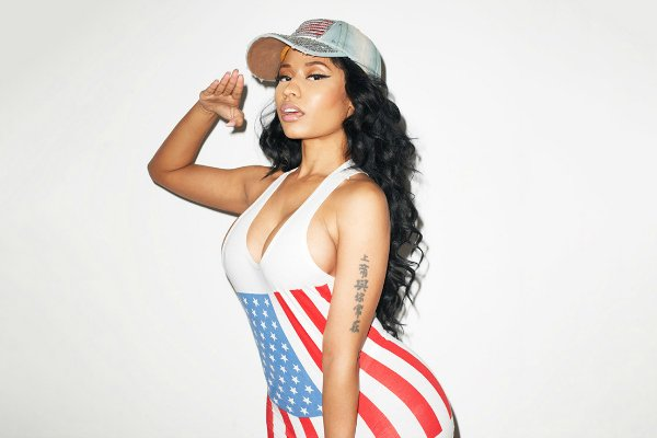 RT @MissInfoTV: .@NICKIMINAJ comes with the raps, dropping the 6-minute