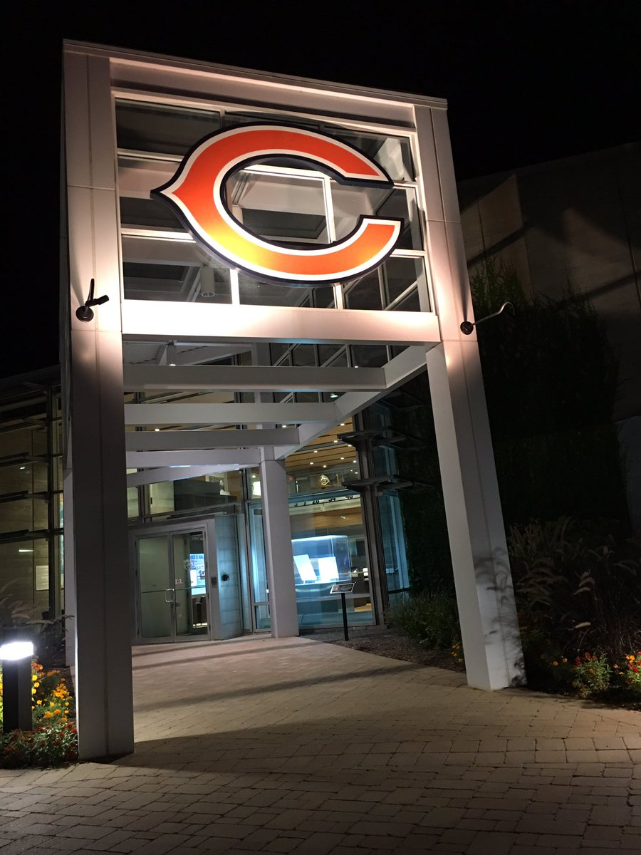 Thank you to the Bears organization, teammates, coaches, and fans.  Once a Bear, always a Bear. #beardown https://t.co/t8Nd81F8U1