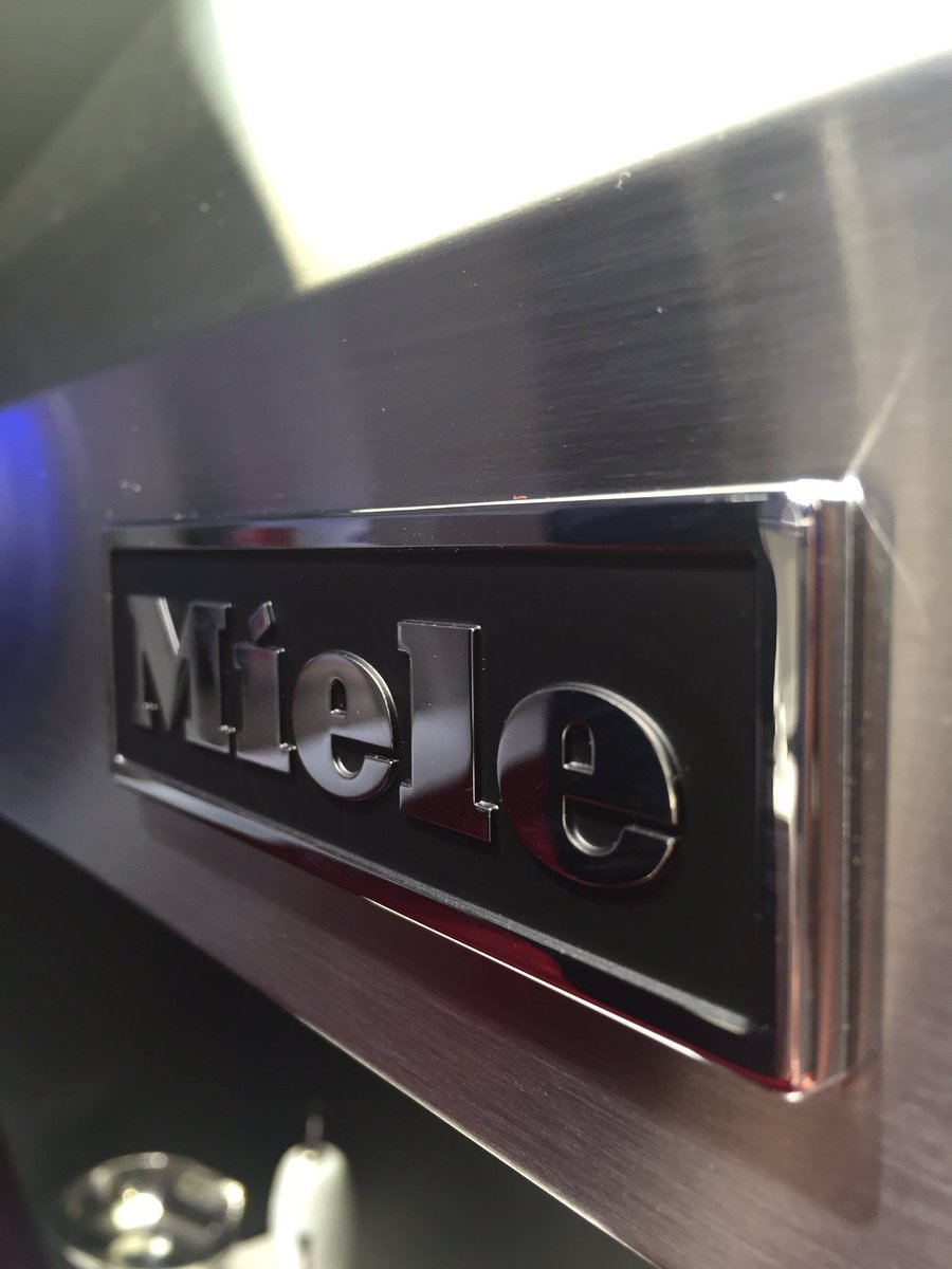 Big thanks to Miele for their tour around #IFABerlin today. Some amazing products coming soon! #IFABerlin #Miele https://t.co/JHy7c4fQfG