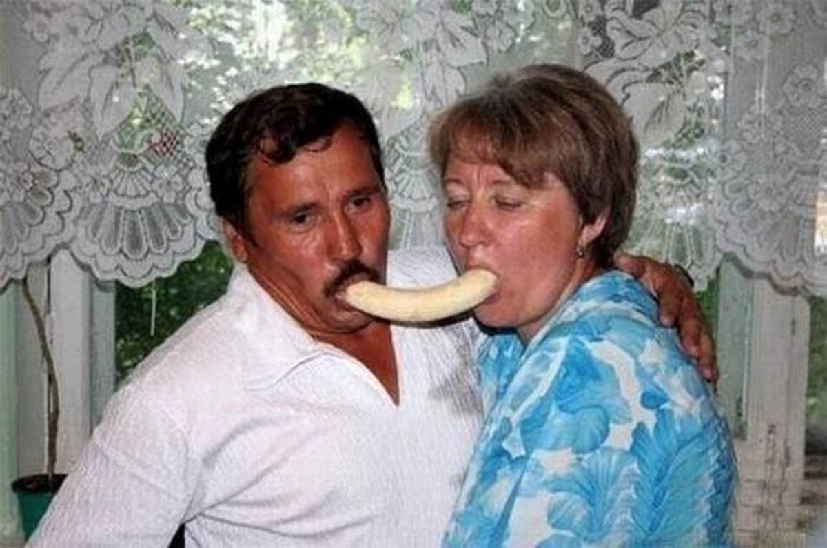 Remembering Mom & Dad on Labor Day. No fancy vacations for them. All it took was a banana for hours of holiday fun. https://t.co/SsvyGQTIWp