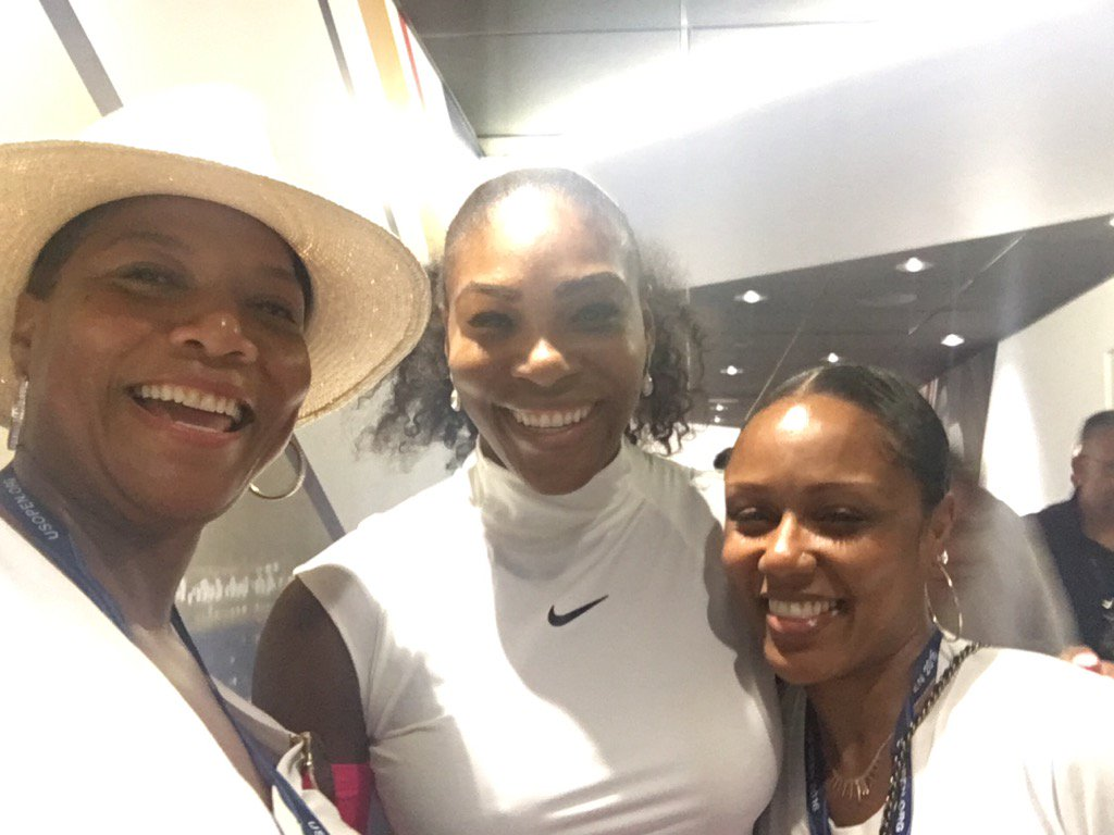 And @serenawilliams for the Win!!! https://t.co/yENtvh0JoQ