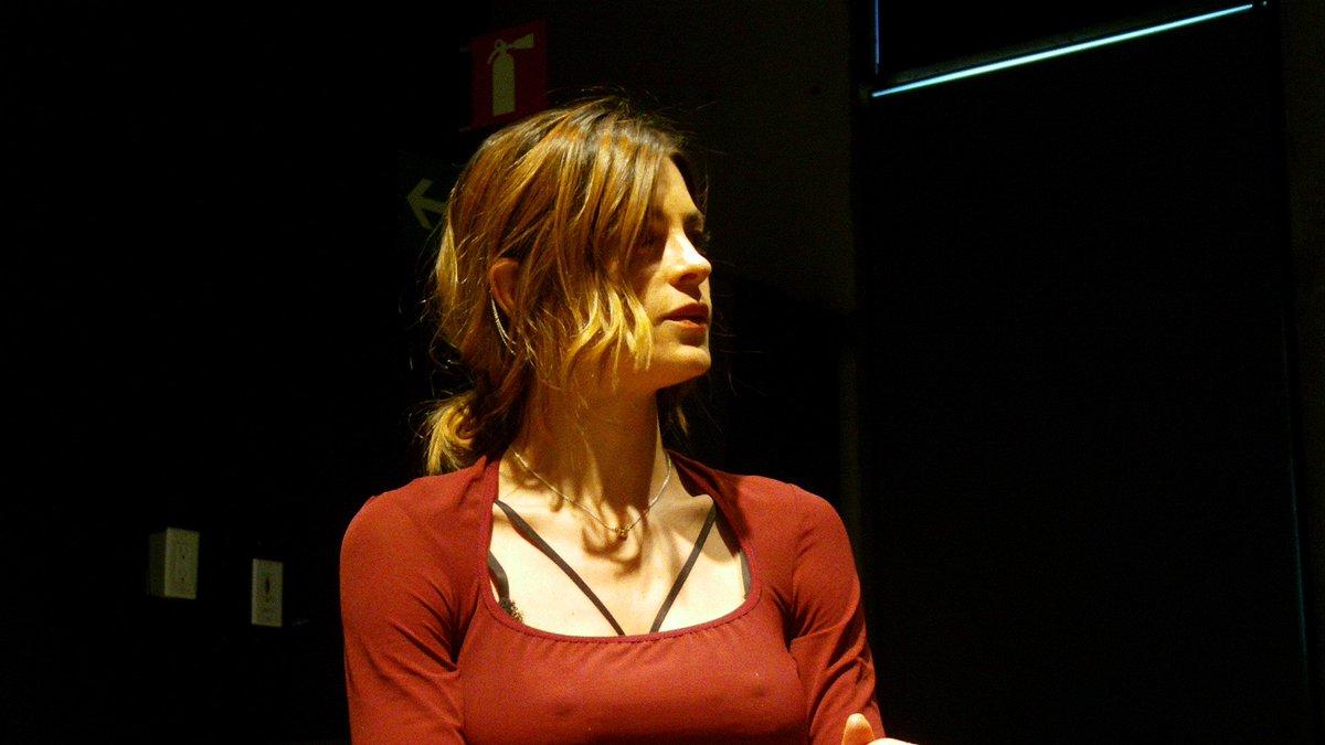 @IreneAzuela es la agraciada embajadora de #NochesdeFundación en el #OaxacaFilmFest / #ConfDePrensa @ccemx https://t.co/7USsvChgvv