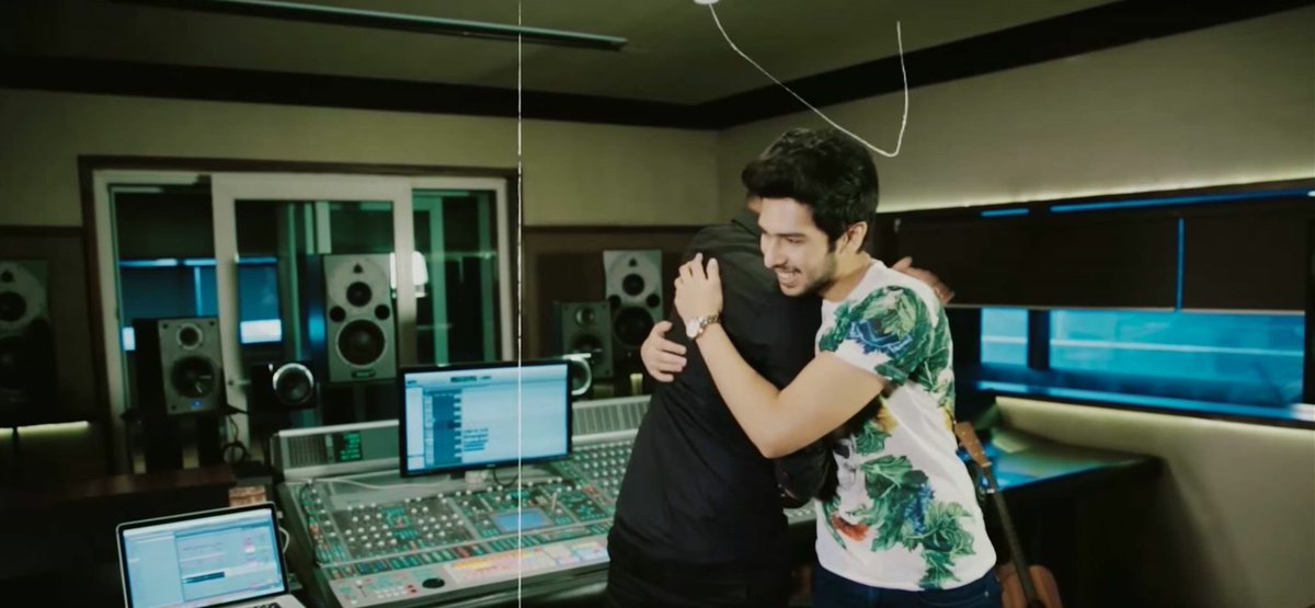 Dont have many friends who are 21 & selling out arenas across the globe! Big ups on US tour.Proud! @ArmaanMalik22