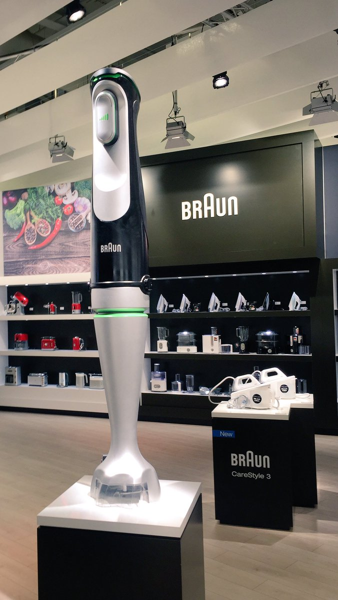 Massive thanks to @Braun for giving us a demo of their ever impressive hand blender #braun #ifa #ifaberlin #blending https://t.co/ZzTst9DmAO