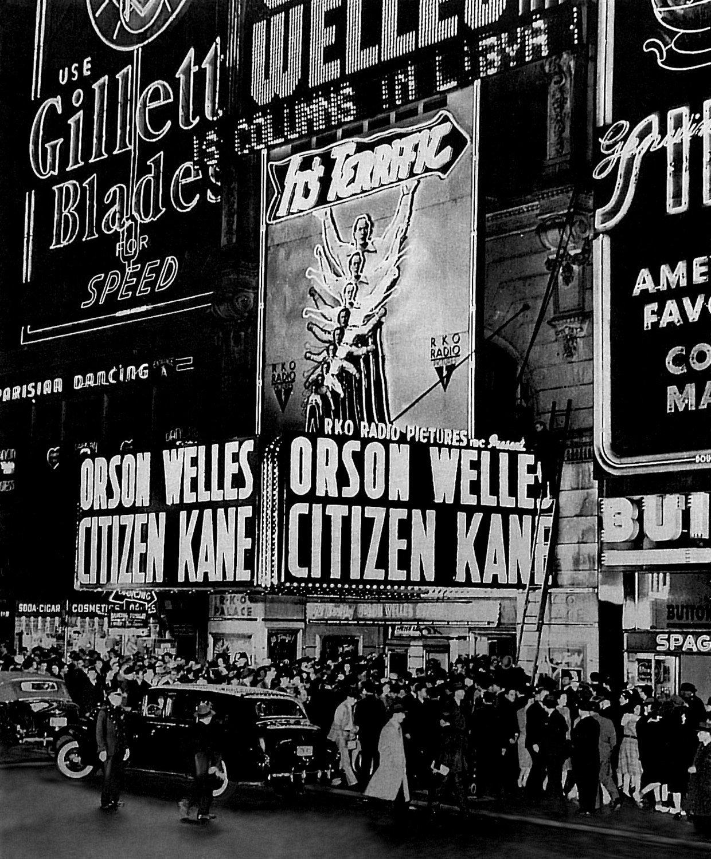 Фото спремьеры «Гражданина Кейна»в 1941 году, которое выглядит каккадр изтого же «Гражданина Кейна» #КПпомнит https://t.co/2h59HdBt4N