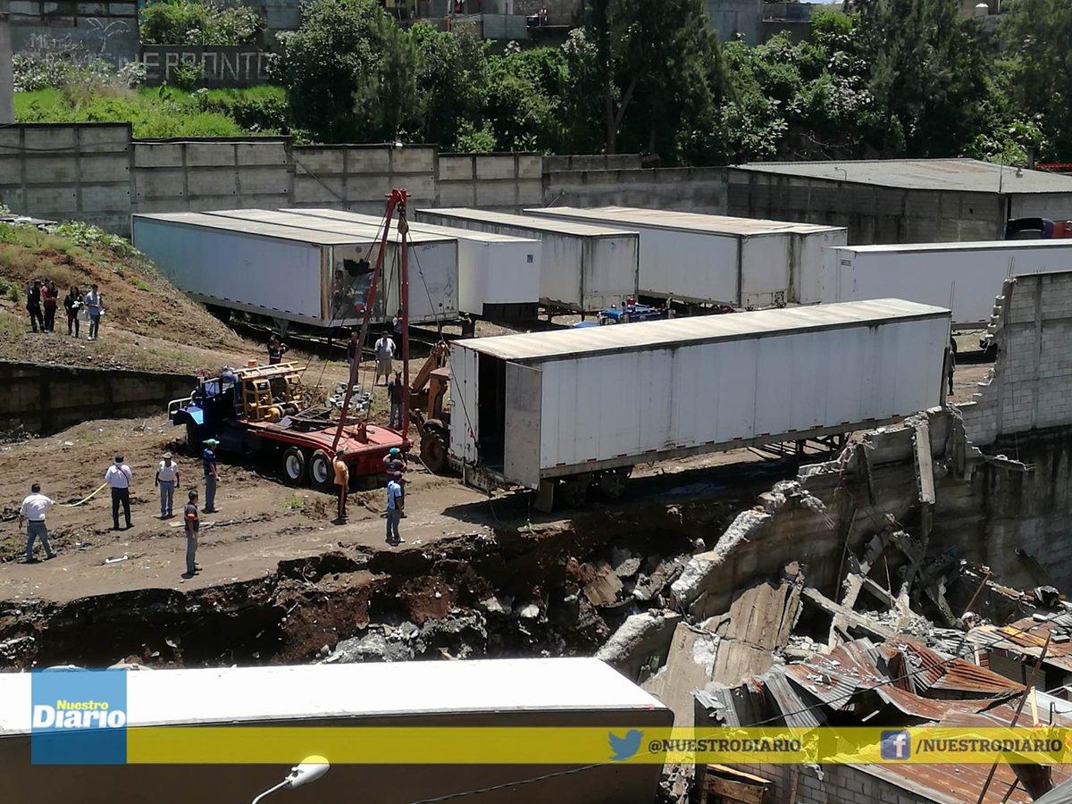 Tras retirar furgón, se reanudan las tareas de rescate para hallar ...