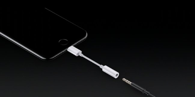 If you use old headphones, the new iPhone 7 will include an adapter with your new device https://t.co/66xULHEvS8