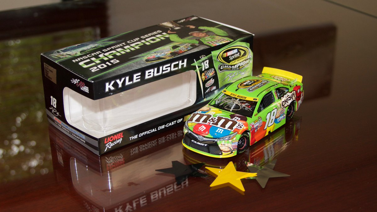 RETWEET to win this @KyleBusch signed Championship diecast! Courtesy of our friends @mmschocolate. #ThanksFans https://t.co/I2yh8g6Q5O