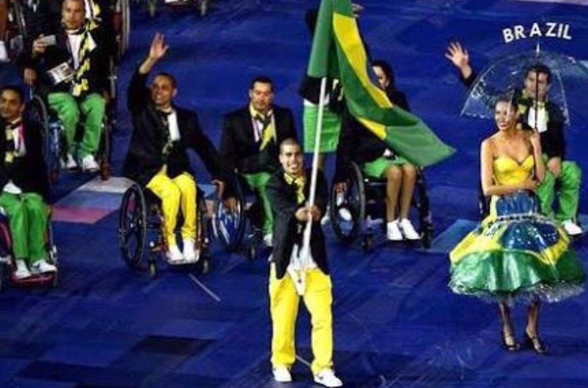 Paralímpiadas! Nāo sâo coitados, sāo atletas! Coitado é o deficiente de caráter! https://t.co/W8yhIPE0KL