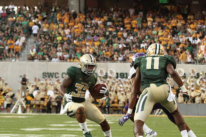 Shock Linwood needs only 107 yards to be the all-time leading rusher in Baylor history. https://t.co/pgTprQYyNq https://t.co/ZEdb1e71Wl