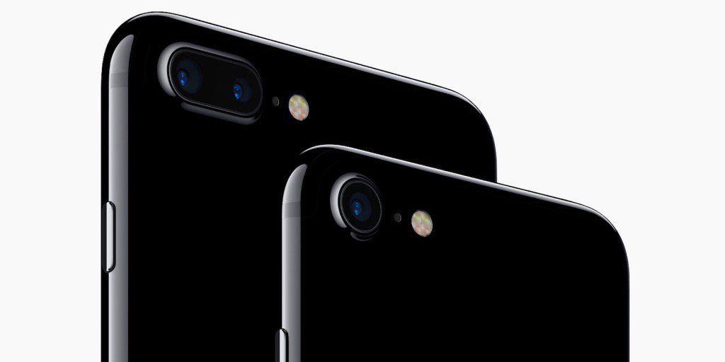 'No Service' after coming out of Airplane Mode on your iPhone 7? Apple is looking into it
