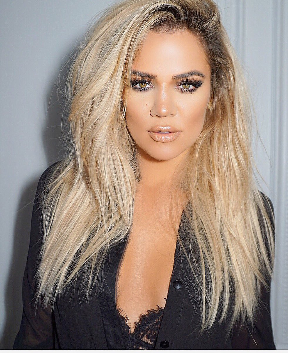 NYC press day for my denim line!!! So exciting!!! @cesar4styles @joycebonelli https://t.co/6zBEeq72Rr