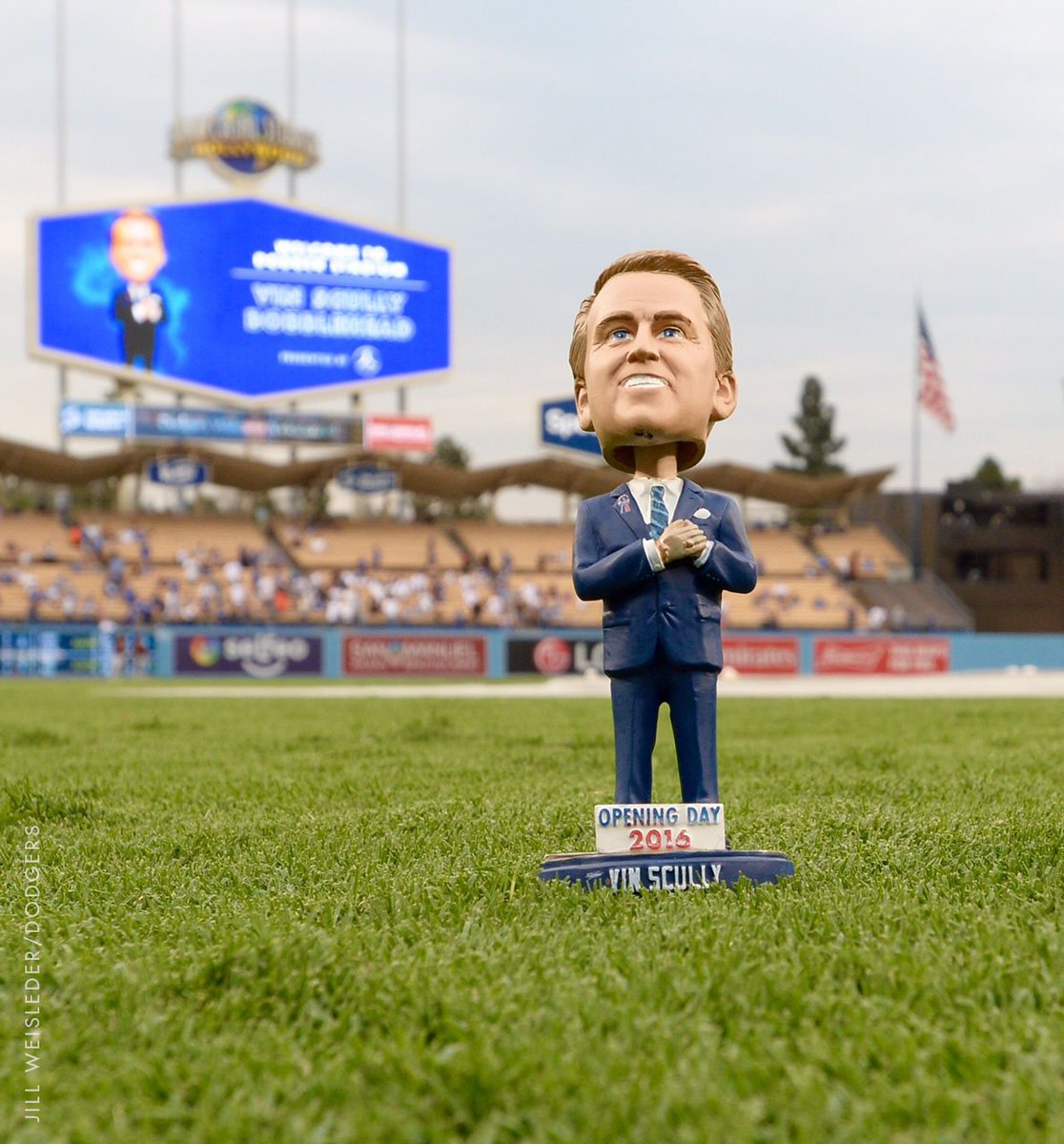 It 39 s vin scully bobblehead night presented by mercedes for Mercedes benz dealers in los angeles