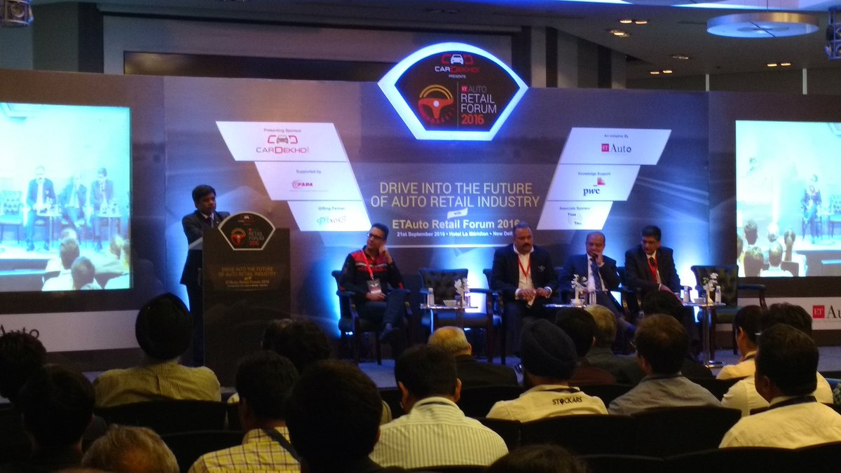 Rakesh Srivastava, Sr VP, Sales & Marketing, @HyundaiIndia  shares his insights at #etautoretailforum https://t.co/CxOqrjs1Kb