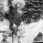 ¿sabías que Pancho Villa era todo un Don Juan? Según su chófer, visitaba hasta 5 novias en un sólo día. https://t.co/ELps7gVk0j
