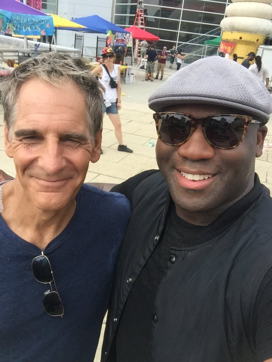 Had a blast on set with @ScottBakula and the @NCISNewOrleans crew! Can't wait to do it again! https://t.co/TsPpKyK0K5