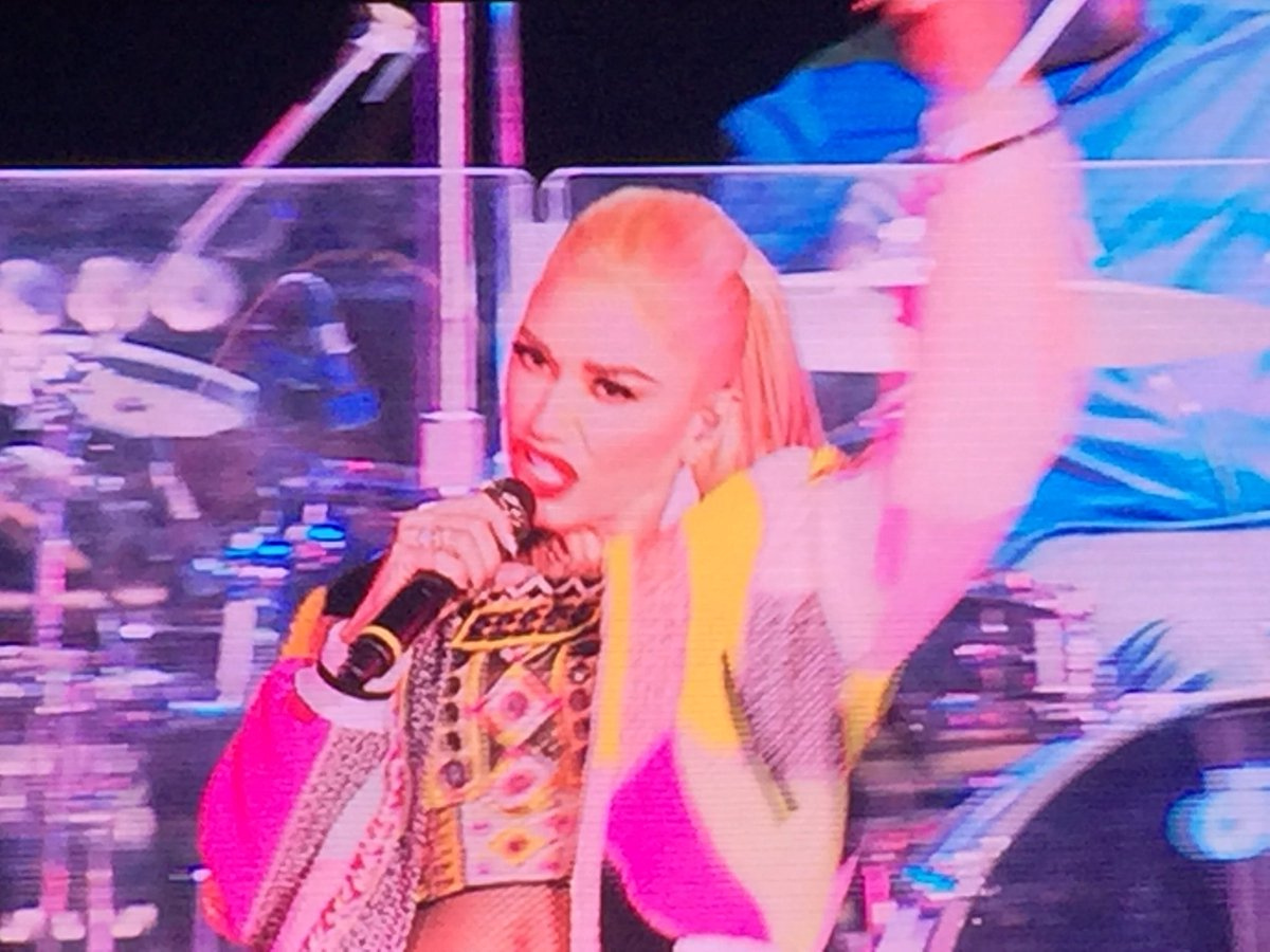 #NowPlaying @gwenstefani @#OOW16! You Are AWESOME! https://t.co/v4j8xPFgWq