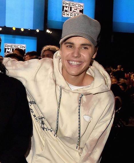 #WeMissJustinOnShots: We Miss Justin On Shots