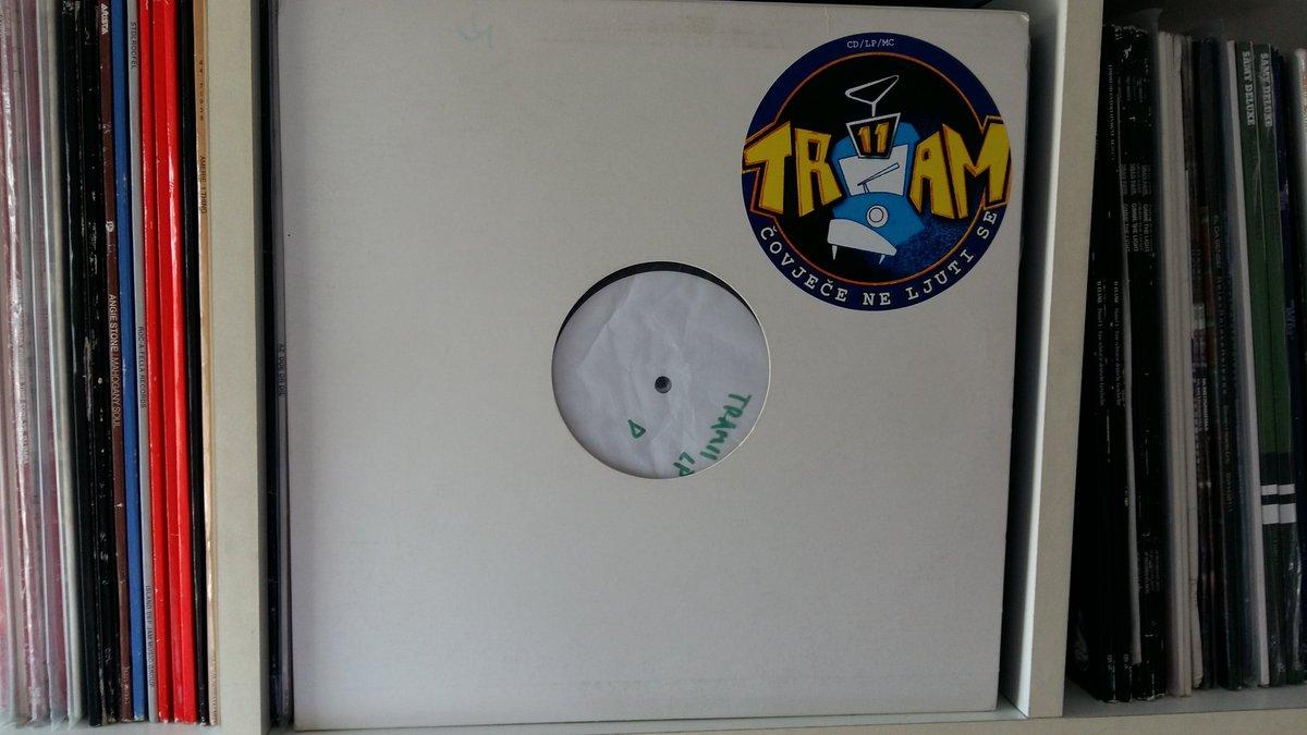 """Na danasnji dan 1999. godine je zagrebacka hip hop grupa Tram 11 objavila svoj album prvijenac """"Čovječe Ne Ljuti Se"""" https://t.co/ZeYKNJ2ymy"""
