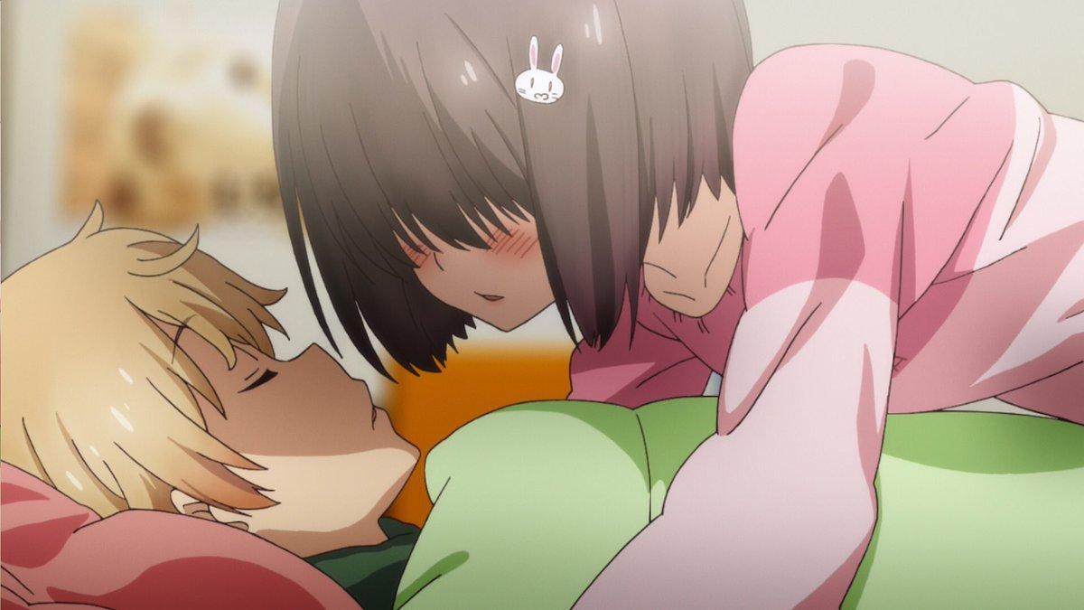 """【第10話Bを振り返ろう🎨続】宇佐美さんのベッドで仮眠することになった内巻くん。ぐっすり寝ている内巻くんの顔に…""""キス"""""""