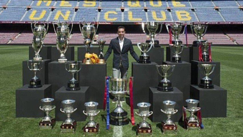 Esa es la diferencia, Cristiano mira por sus premios individuales. Jamás en equipo ganará los títulos de Xavi. https://t.co/YdKnZ2aMZX