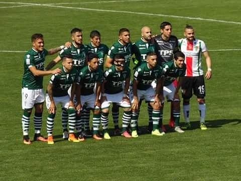 [LA FOTO DEL DIA]  Ezequiel Luna invitado a la foto junto a Wanderers. @adnradiochile @ElGraficoChile  @Ferplei https://t.co/edC4027rNN