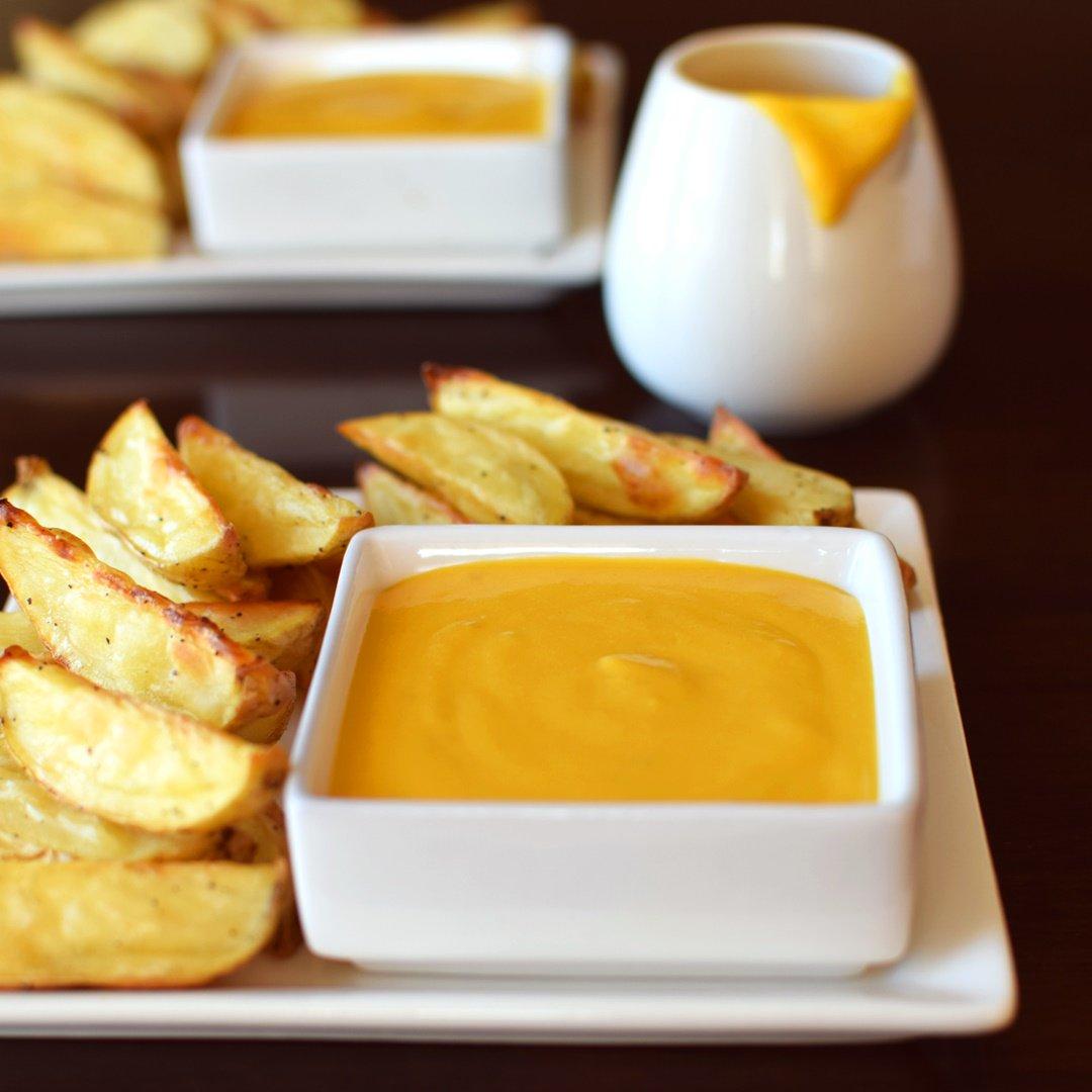 "Healthy #Dairyfree ""Cheese"" Sauce w/ Potato Wedge Fries! #recipe -> https://t.co/wWkcRju3wU #DoPlants @LoveMySilk https://t.co/U36v9fY8De"