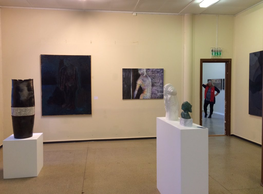 @DasFingertier @Ipaintatnight @anthonyhallart @rpwilli23 @SonjaZeltner @MaggiePamplin  2dy #opening #art #exhibition https://t.co/NmOJypcTTd
