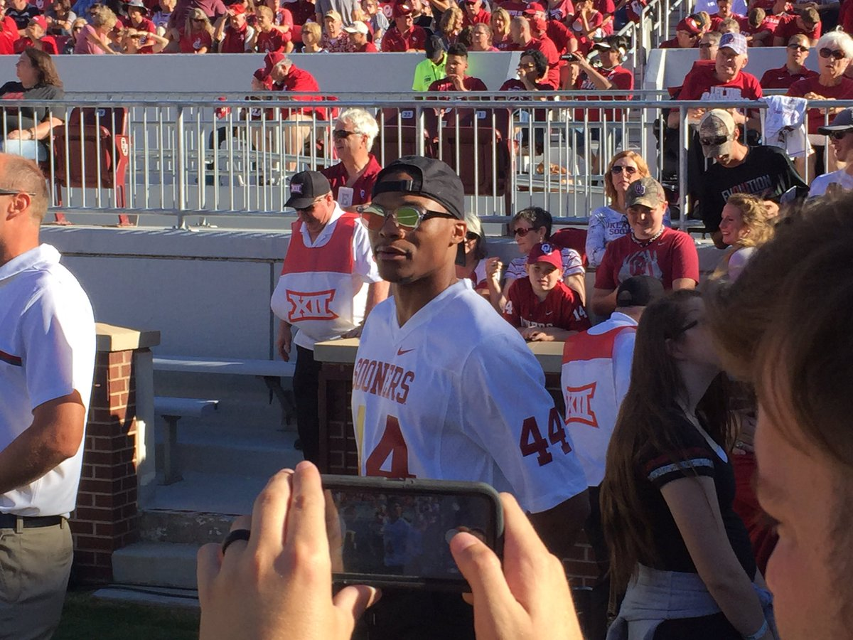 Russell wearing Boz 44 for his @OU_Football debut. @news9 https://t.co/xRs3bv6s1l