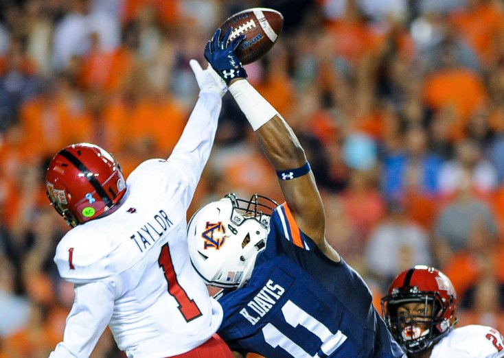 Just some great Auburn catches in 2016 https://t.co/xE72aAWkJ5